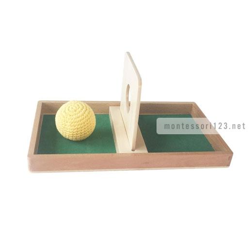 Imbucare_Board_With_Knit_Ball_1.jpg